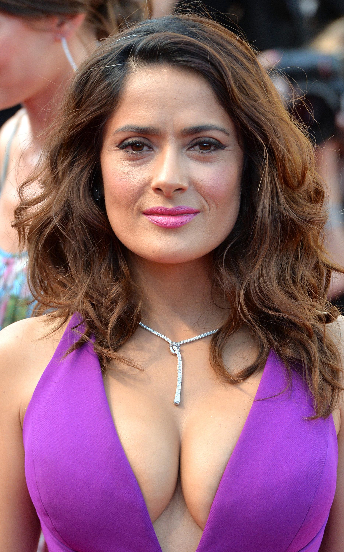 Sarah shahi, tits